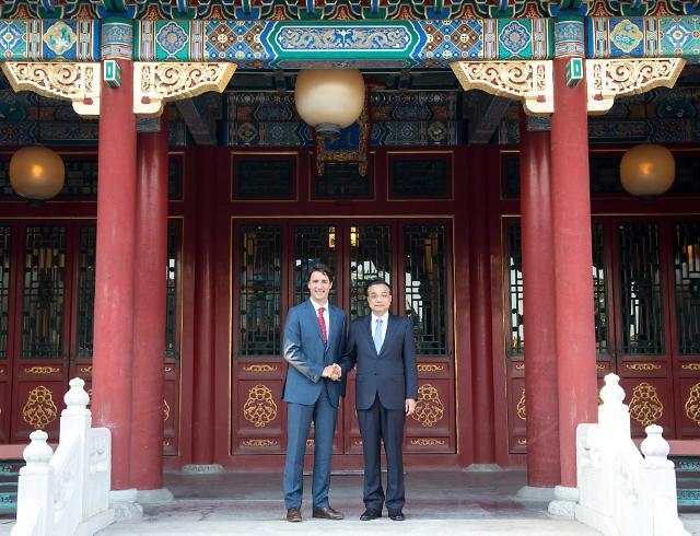 캐나다 트뤼도 총리, 중국 방문...리커창 총리 만나