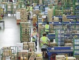 .中秋节物流大战打响 经济钝化礼物热情不减.