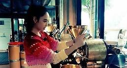맨투맨 합류 김민정, 커피 전문점에서 포착