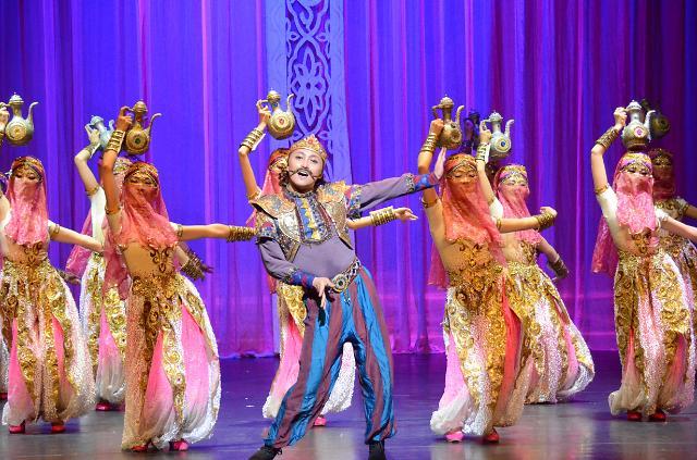 中国大型原创民族舞剧《月上贺兰》在韩惊艳上演