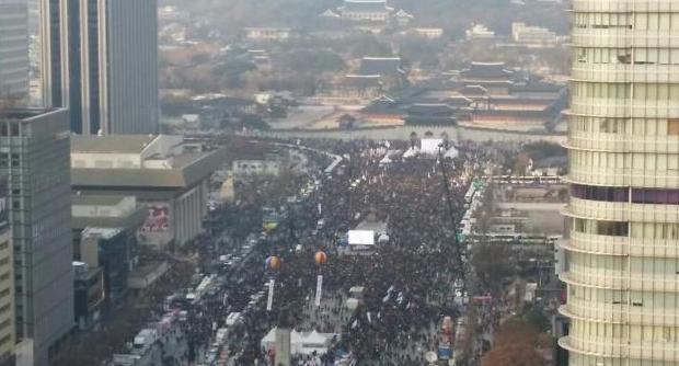 '朴대통령 퇴진하라' 전국 곳곳에서 '촛불' 행렬