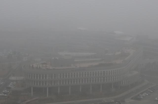 韩连日空气污染严重 分析称遭中国雾霾侵袭