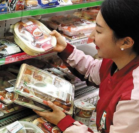 """韩国""""独饭族时代""""来临 快餐市场4年增幅逾五成"""