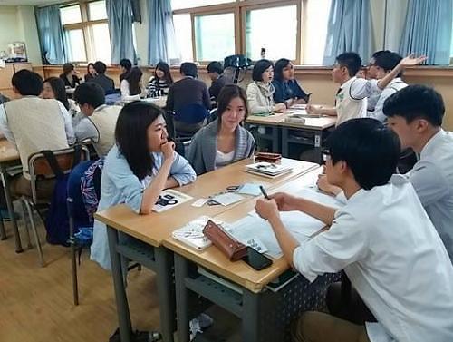 韩国初高中向留学生敞开大门 政府制定入学规范