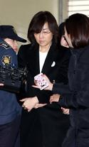 '블랙리스트 의혹' 첫재판 이뤄지지 않아...김기춘·조윤선 첫재판 28일 열려