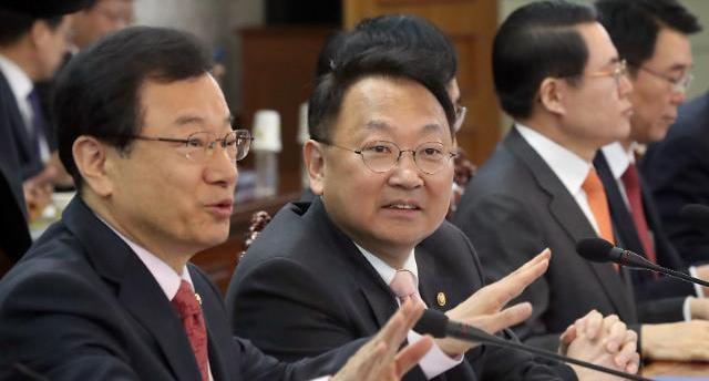 [박근혜 4년] 국정농단에 매몰된 창조경제
