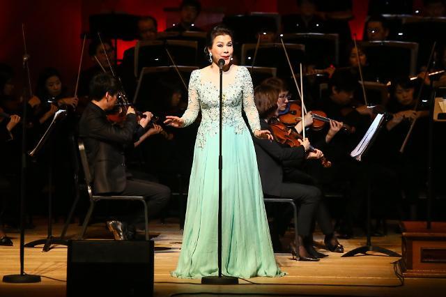 女中音歌唱家梁宁献唱首尔 用音乐拉近中韩两国民心