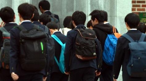 韩国四分之一初高中生有定期看新闻的习惯