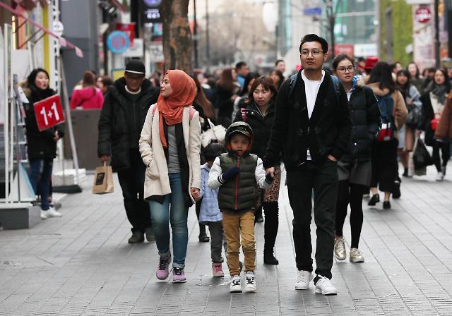 首尔市大力吸引东南亚游客 多语种指示牌将现身景点