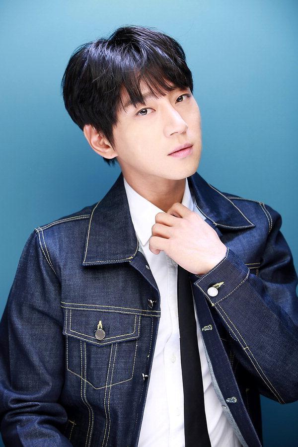 《男女的温度差》QQ音乐销量突破22万 黄致列人气势不可挡