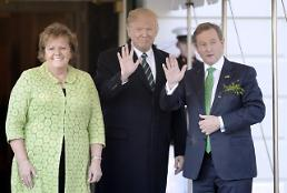 .[PHOTO NEWS] President Donald Trump welcomes Enda Kenny, Irelands prime minister and his wife Fionnuala Kenny at the White House .