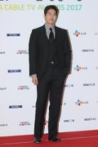 俳優ユ・ジテ、チャンネルCGVの映画「私にだけ見える男」演出