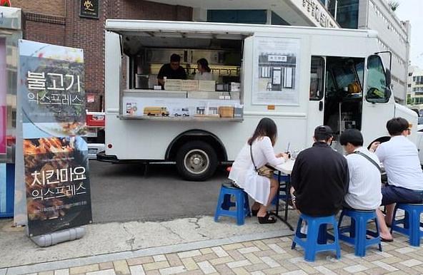 韩政府推流动餐饮车促创业收效甚微 出台政策改善经营环境