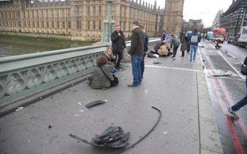 英国议会外发生恐袭致5死40伤 5名韩国游客受伤