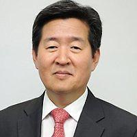 """[세월호 인양] 윤학배 차관 """"반잠수정 옮기는 과정 변수"""""""