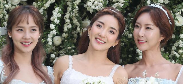 SES原成员Bada今日大婚 柳真Shoo到场送祝福