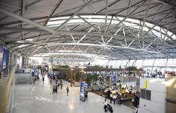 .韩国将实施乘机旅客预检制度防恐怖分子入境.