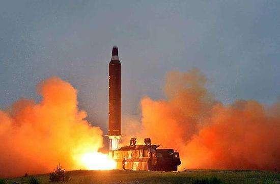 快讯:朝鲜向半岛东部海域发射疑似弹道导弹的飞行物
