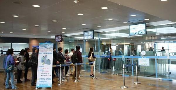 """""""封杀""""韩国游见效果 3月赴韩中国游客同比锐减4成"""