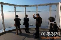 롯데월드타워, 개장 5일만에 또 '고장' 소동…야외전망대 門 안열려