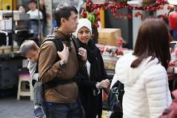 .明洞购物节上中国游客减少 东南亚游客增多.