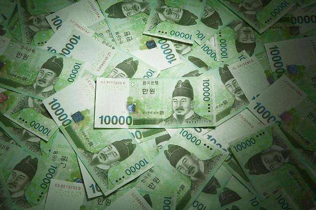 韩国劳动者年薪10年长2成 缴税却激增75%