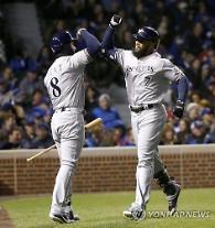 'KBO산' 테임즈, 홈런 대신 3안타 폭발…6G 연속 홈런 실패