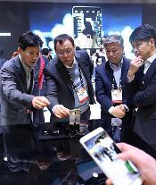  [単独]LG電子、フラッグシップスマートフォン「V30」8月末に公開する