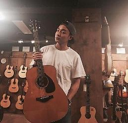 .Roy Kim定于5月回归 新曲MV正在拍摄中.