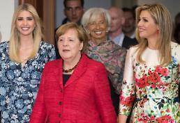 [글로벌 포토] 이방카, 국제무대 데뷔…메르켈 초청으로 독일 방문