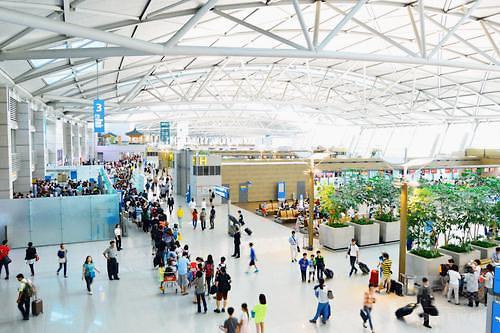 韩海关5月起严查入境旅客免税品 依法处罚非法代购