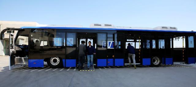 [영상중국] 가장 많은 승객 태우고, 오래 달리는 공항 전기버스