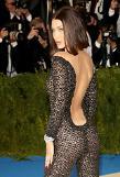 [GLOBAL PHOTO]  Kendall Jenner arrives on red carpet event