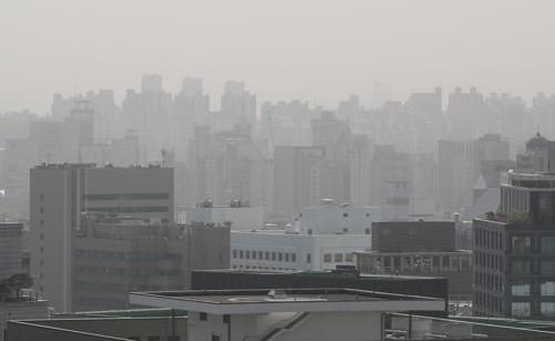 韩黄金假期现沙尘天气拖累消费