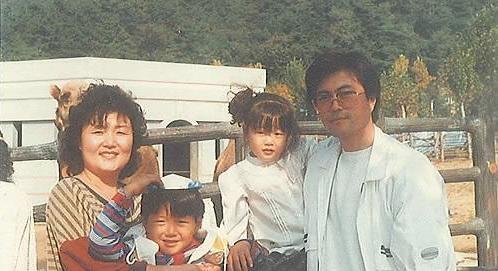 韩国总统文在寅全家福照片