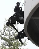 .[PHOTO] Police special forces participate in counter-terrorism drill.