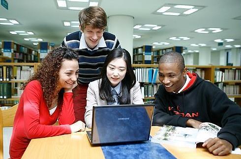 """外国留学生评选""""韩国最具竞争力领域"""" 文化艺术位居榜首"""