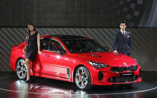 起亚汽车正式推出全新轿跑车Stinger