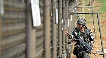 <简讯>韩朝边界有飞行器南下 韩军开枪示警