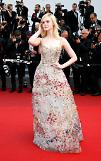 [GLOBAL PHOTO] Elle Fanning arrives at the 70th annual Cannes Film Festival