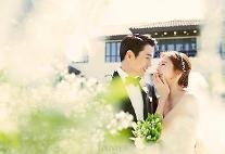 """""""우리 부부 됐어요"""" 주상욱♥차예련, 비공개 결혼식 본식 사진 공개…세상 가장 행복한 미소"""
