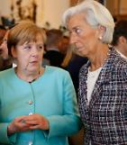 [GLOBAL PHOTO] German Chancellor and IMF Director in conversation at G7 Summit