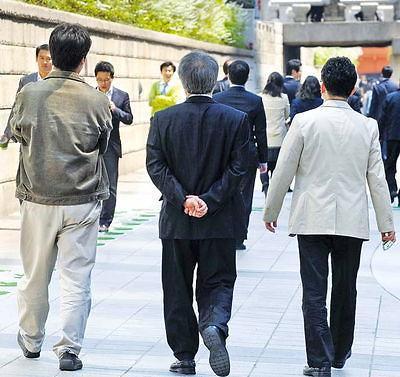 不靠兄妹靠朋友 韩中老年人危急时先找朋友帮忙