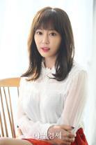 배우 강예원, 화가로써 기획 초대전 '고백' 개최