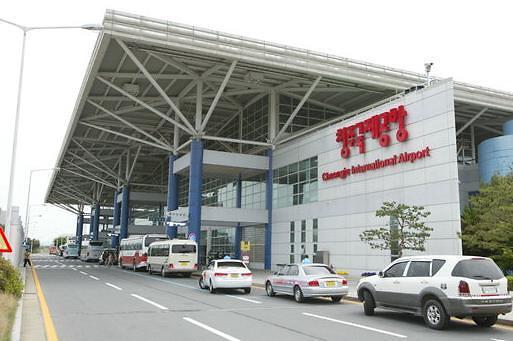 """受益于5月""""旅游黄金周"""" 清州机场国际线旅客环比大增"""