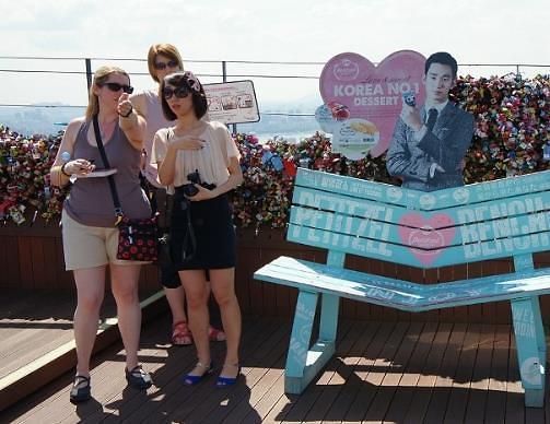 女性专用旅游指南在手 外国美女玩转韩国不用愁