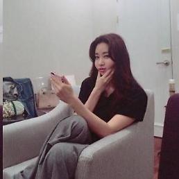 김사랑, 오늘도 외모 열일 나이 잊게 하는 워너비 스타 [★SNS#]
