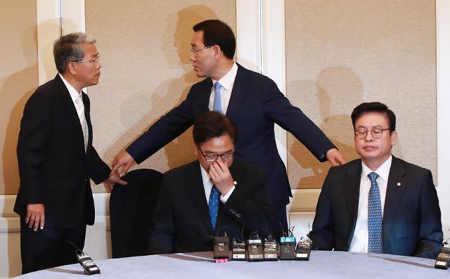 민주 정상회담 동행 거부한 野, 외교·안보라도 초당적 협력을…