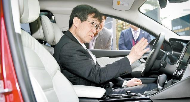 포스코 권오준 회장, 방미경제사절단에서 빠진다