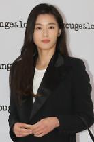 チョン・ジヒョン2人目妊娠、来年1月に出産予定